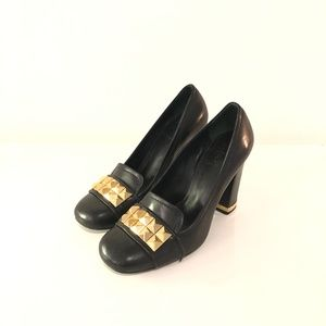 TORY BURCH BLACK LOAFER PUMPS. SIZE 5M